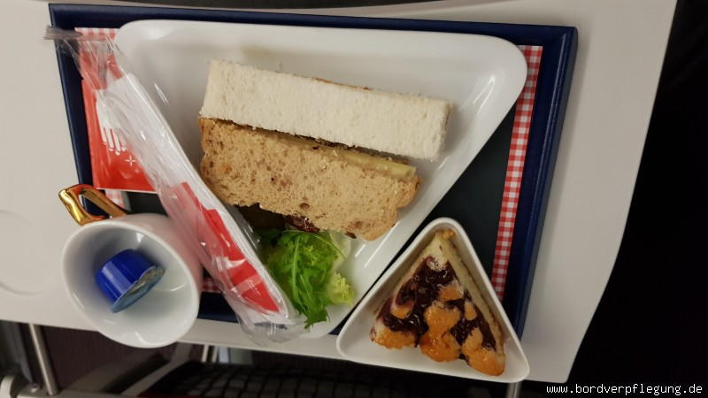 Abendessen bei Austrian Airlines in der Business Class